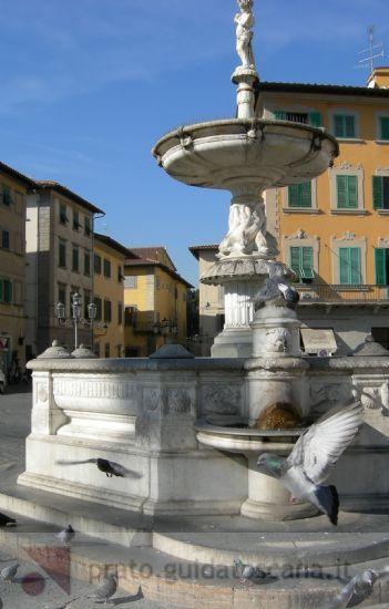 Chiese e monumenti di prato for Piazza duomo prato